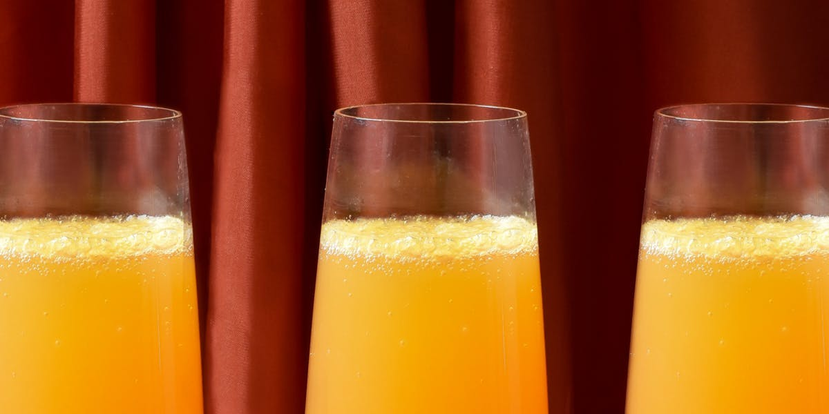 bellini-in-three-prosecco-glasses