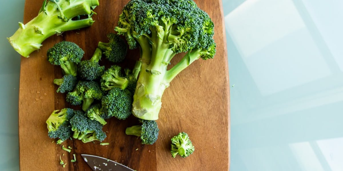 broccoli on chopping board